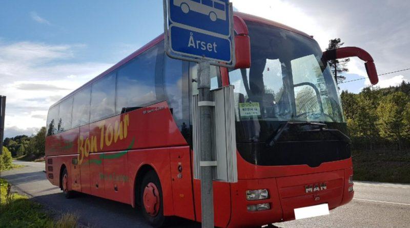 kjører buss eier veien